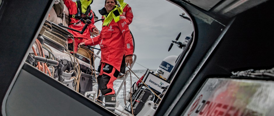 """Leg 9, Day 4: The Atlantic bares its teeth as Dongfeng leads the """"northern"""" fleet in the Volvo Ocean Race"""